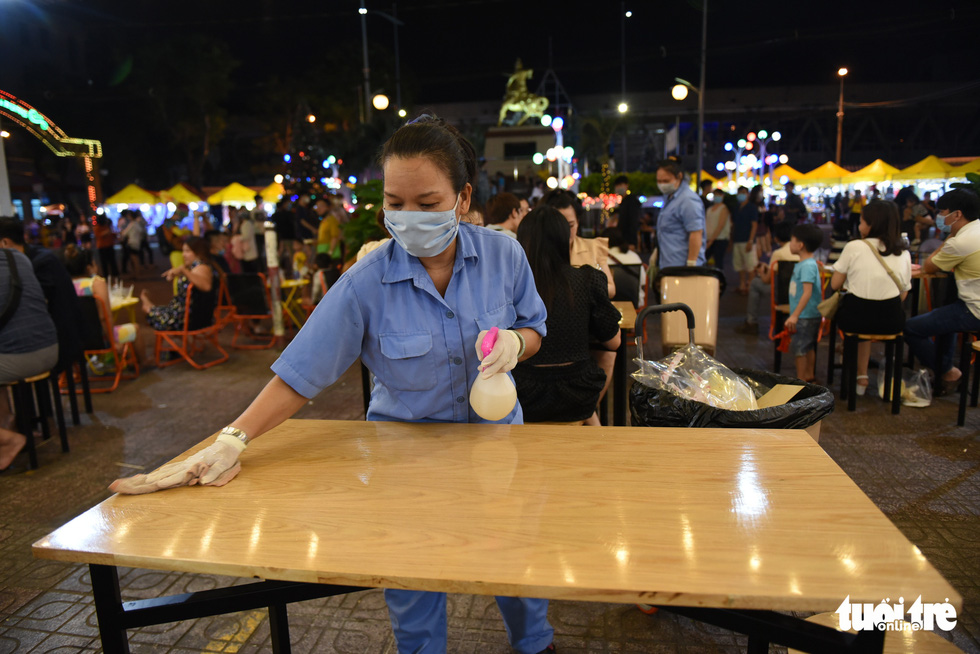 Enjoy a night out at new pedestrian street in Ho Chi Minh City