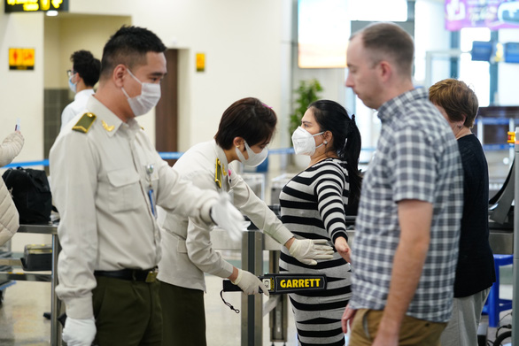 Three Vietnamese passengers get flight bans for disruptive behaviors