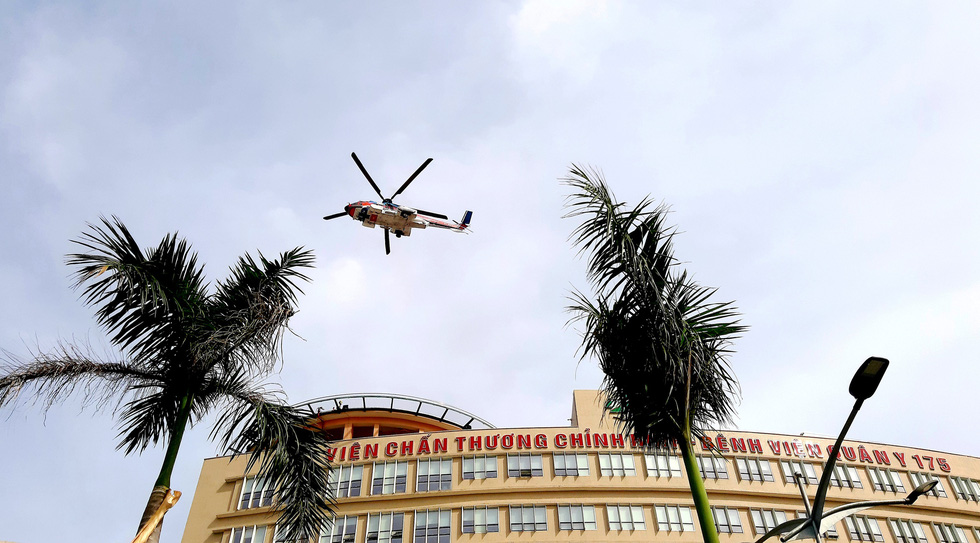 Vietnam's first rooftop helipad for emergency medical services put into operation