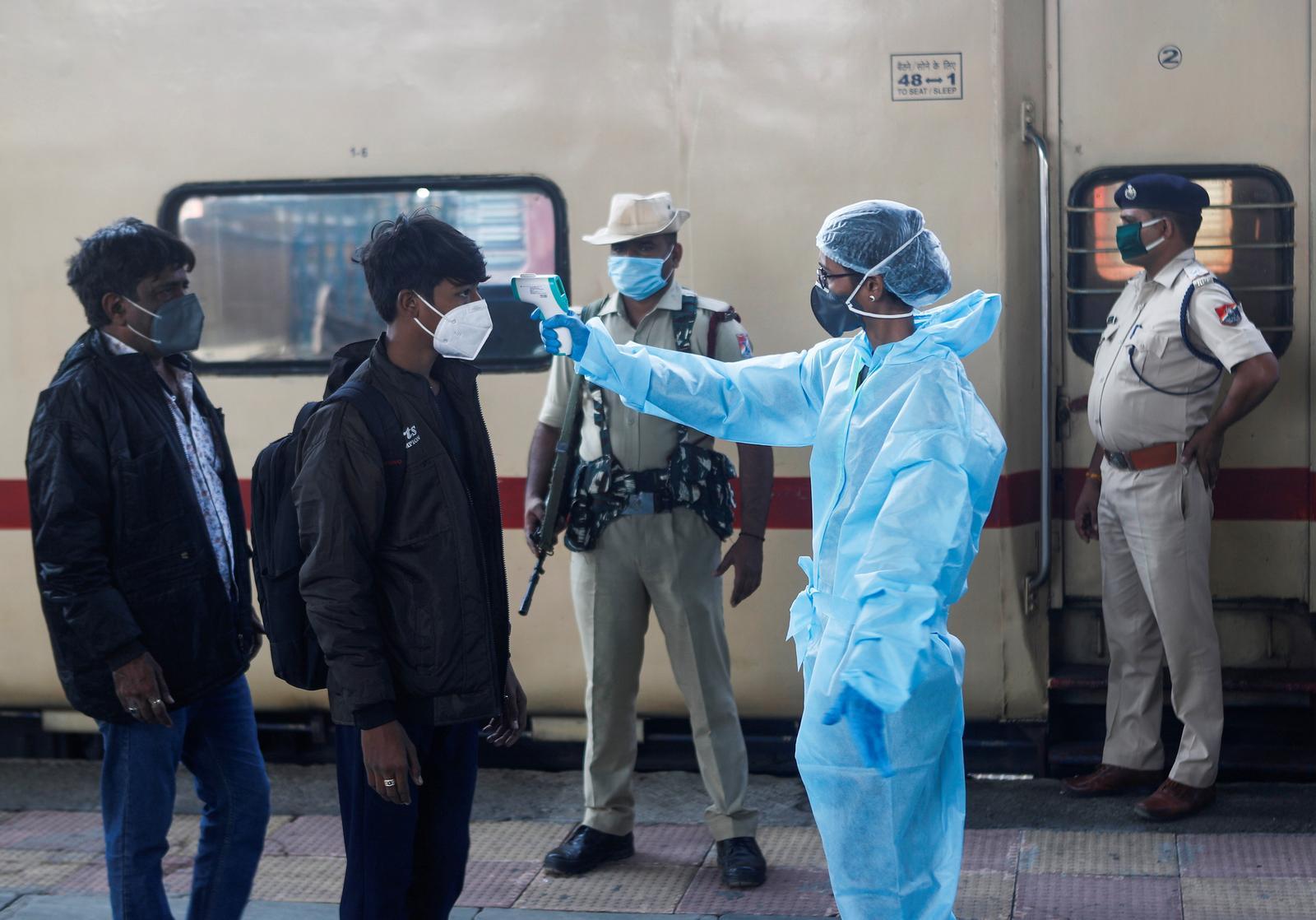India hits 10 million coronavirus cases but pace slows