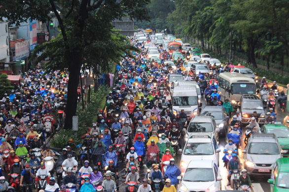 Congested traffic is seen on Tran Quoc Hoan Street in Ho Chi Minh City. Photo: Van Binh / Tuoi Tre.