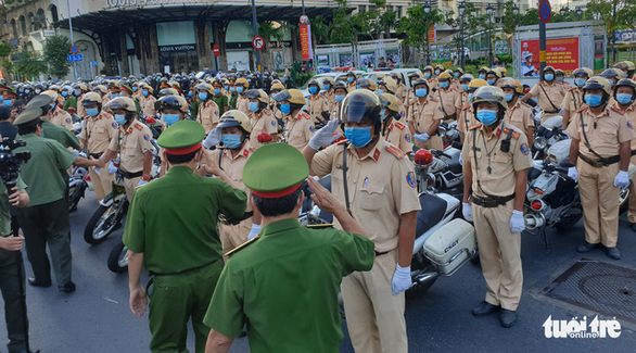Ho Chi Minh City police officers take part in the launch of a campaign to deal with criminals, December 15, 2020. Photo: Minh Hoa / Tuoi Tre