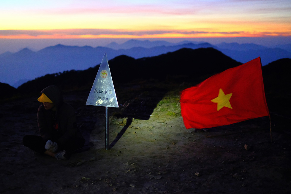 The peak of Mount Ta Chi Nhu.