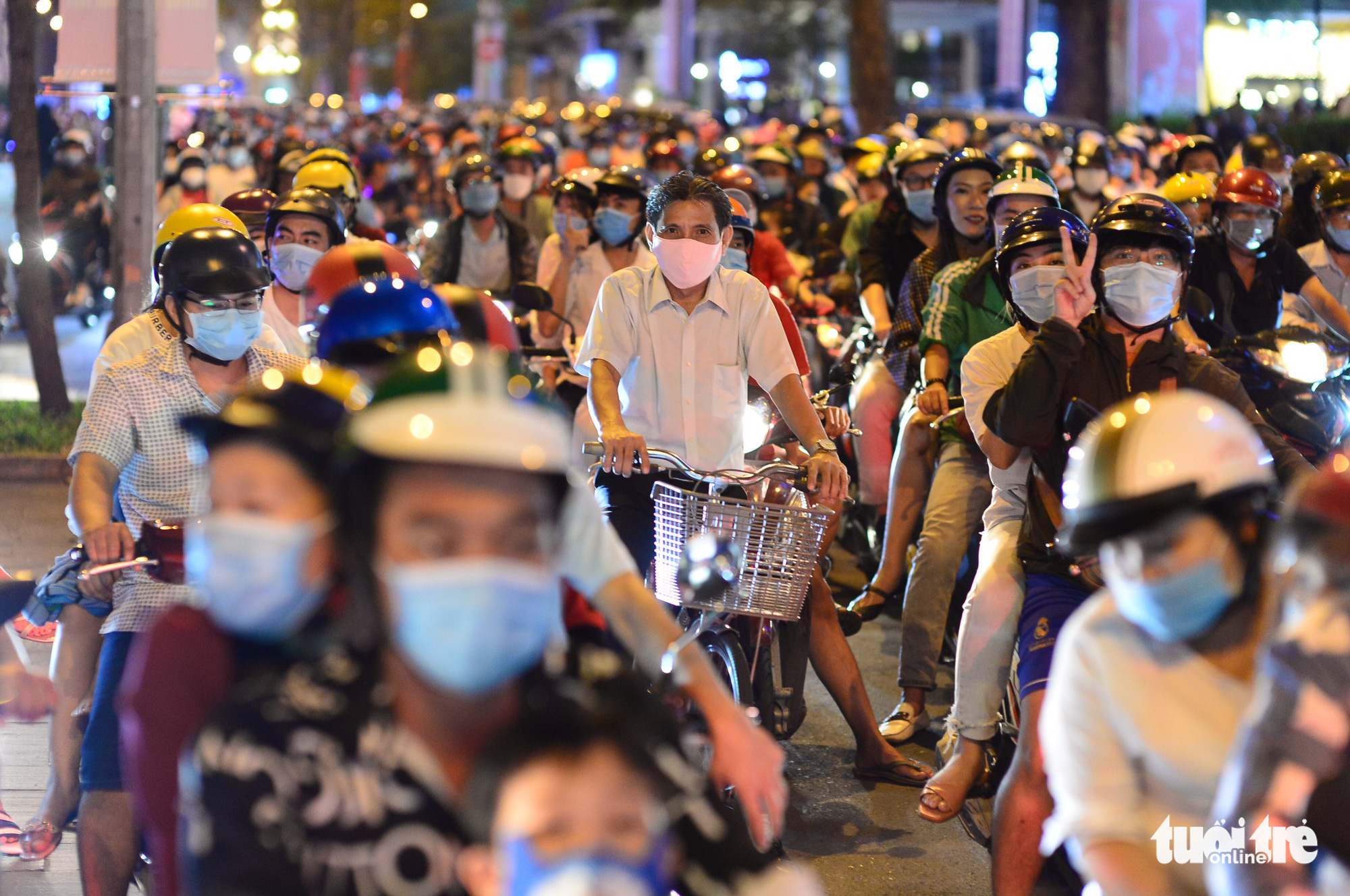 Dong Khoi Street in District 1, Ho Chi Minh City is congested on December 24, 2020. Photo: Quang Dinh / Tuoi Tre