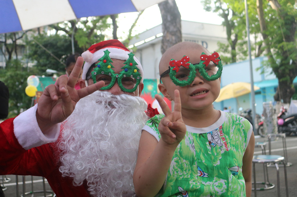 Christmas gifts for child cancer patients at Ho Chi Minh City hospital