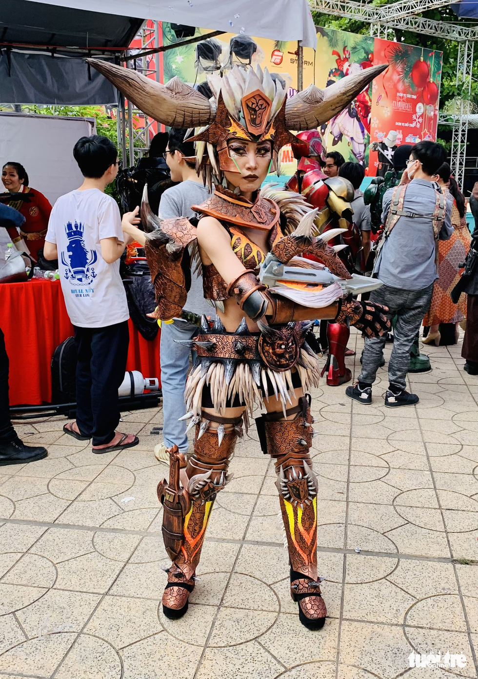A participant dons a cosplay costume at the cosplay contest Super Hero The Champion Season 1 in District 5, Ho Chi Minh City, December 27, 2020. Photo: Phuong Nam / Tuoi Tre