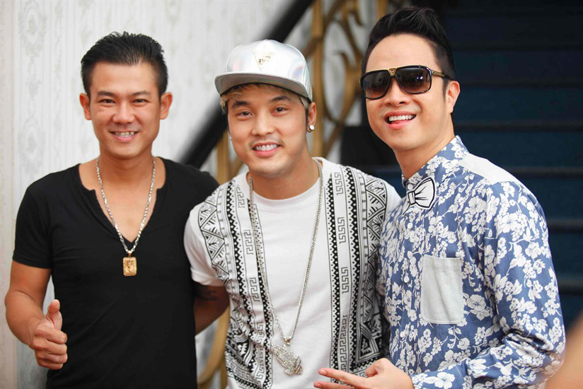 A photo of late Vietnamese singer Van Quang Long (left), singer Ung Hoang Phuc (center), and singer Nhat Tinh Anh.