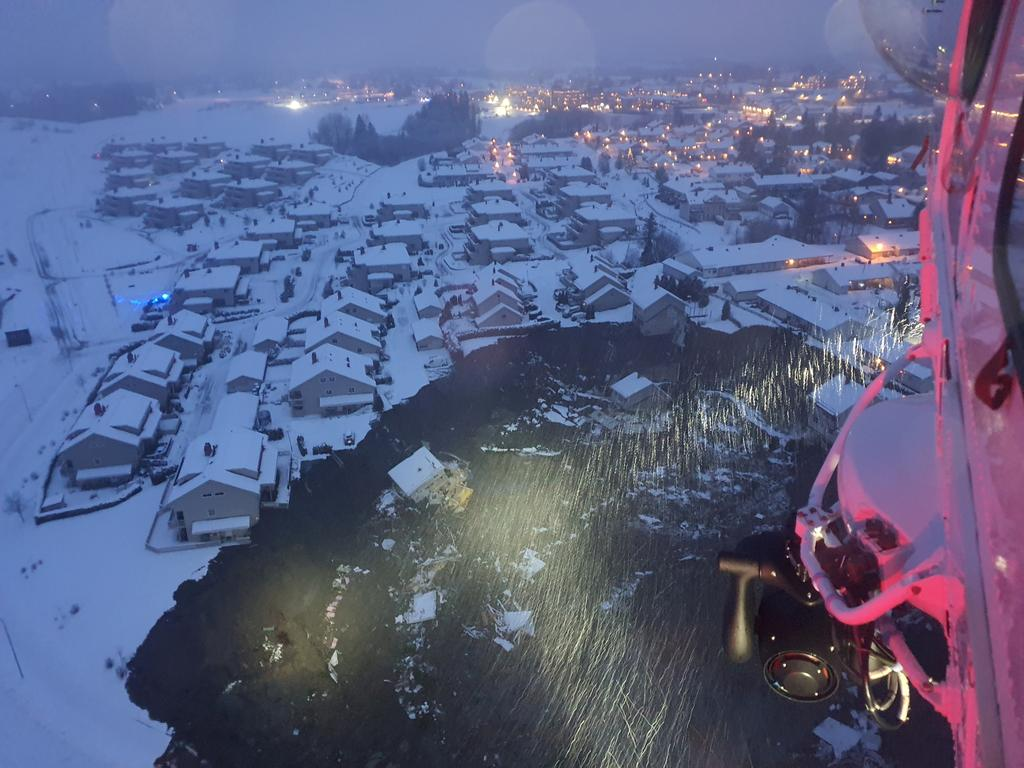 A rescue helicopter view shows the aftermath of a landslide at a residential area in Ask village, about 40km north of Oslo, Norway December 30, 2020. According to police several people went missing. Photo: Norwegian Rescue Service/NTB/via Reuters