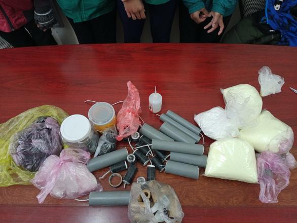 Student casualties from making handmade firecrackers sound alarm in Vietnam