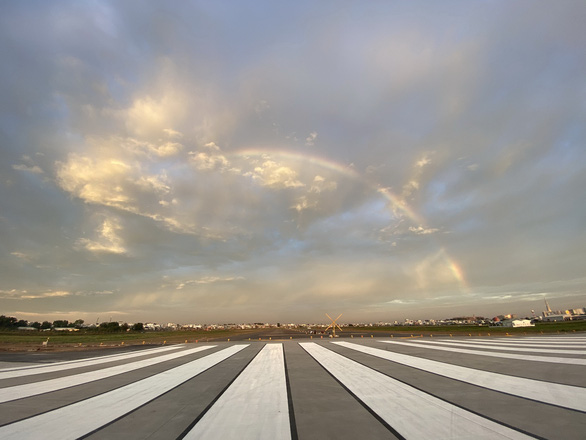 Tan Son Nhat to put upgraded runway into operation on January 10