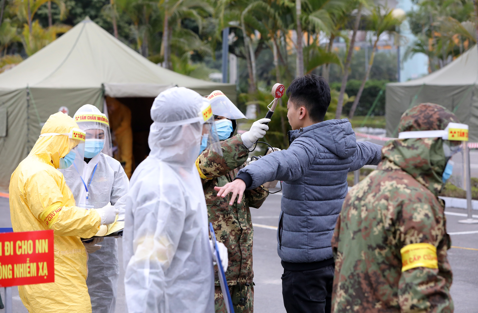 An area for radioactive contamination treatment is set up during an exercise to prepare for the National Party Congress in Hanoi, January 10, 2021. Photo: Viet Dung / Tuoi Tre