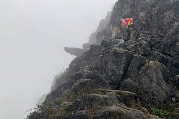 Man escapes death after falling from 'death cliff' in northern Vietnam