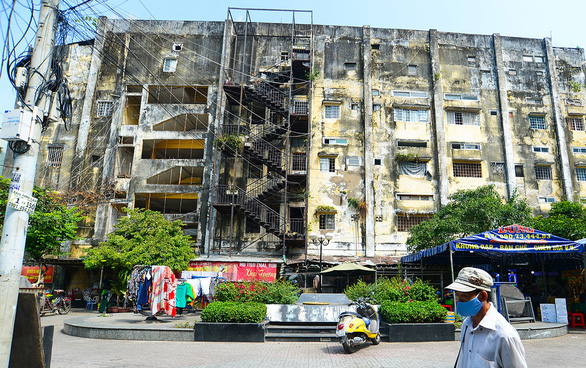 Ho Chi Minh City floats renovations to old tenements before go-ahead from residents