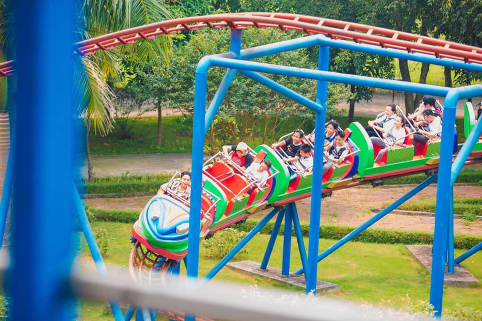 Amusement park suspended following fatal roller coaster accident in northern Vietnam
