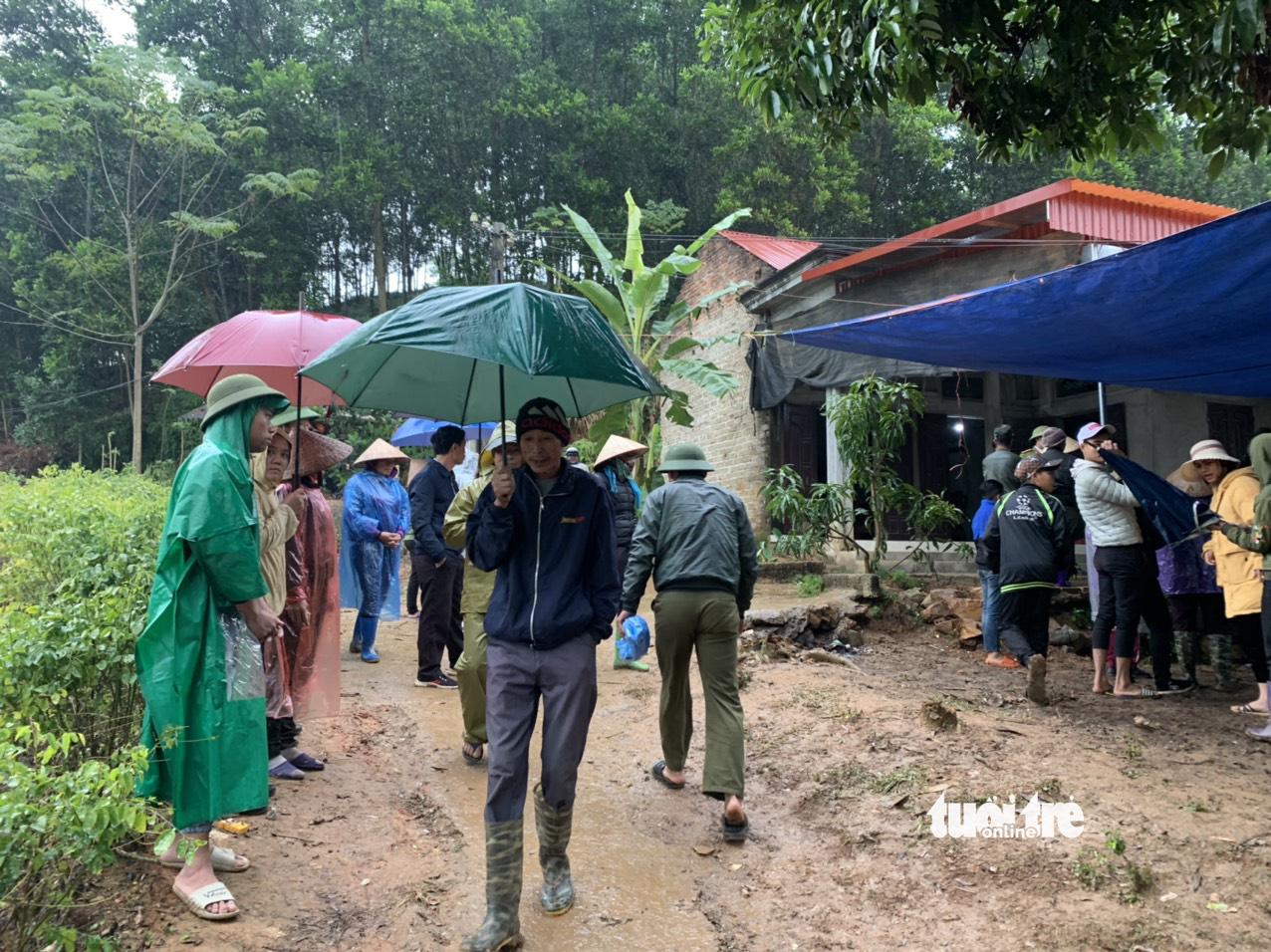 Man, two children found dead with suicide note in northern Vietnam