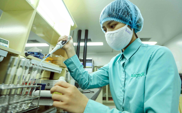 Vietnam to receive up to 8 million doses of free COVID-19 vaccine