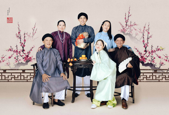Young Vietnamese fuel revival of feudal-style ao dai