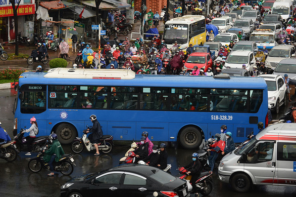Ho Chi Minh City files another proposal for public minibus system after 2020 blunder