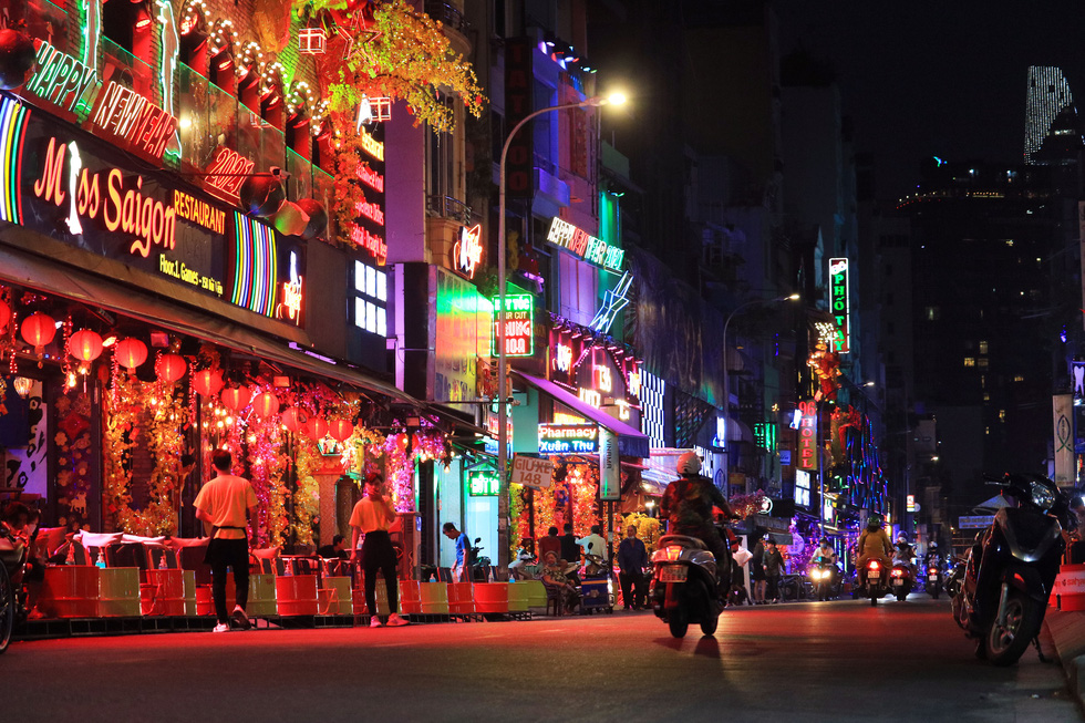 Why aren't discos, bars, karaoke parlors, and indoor sports facilities reopened in Ho Chi Minh City?