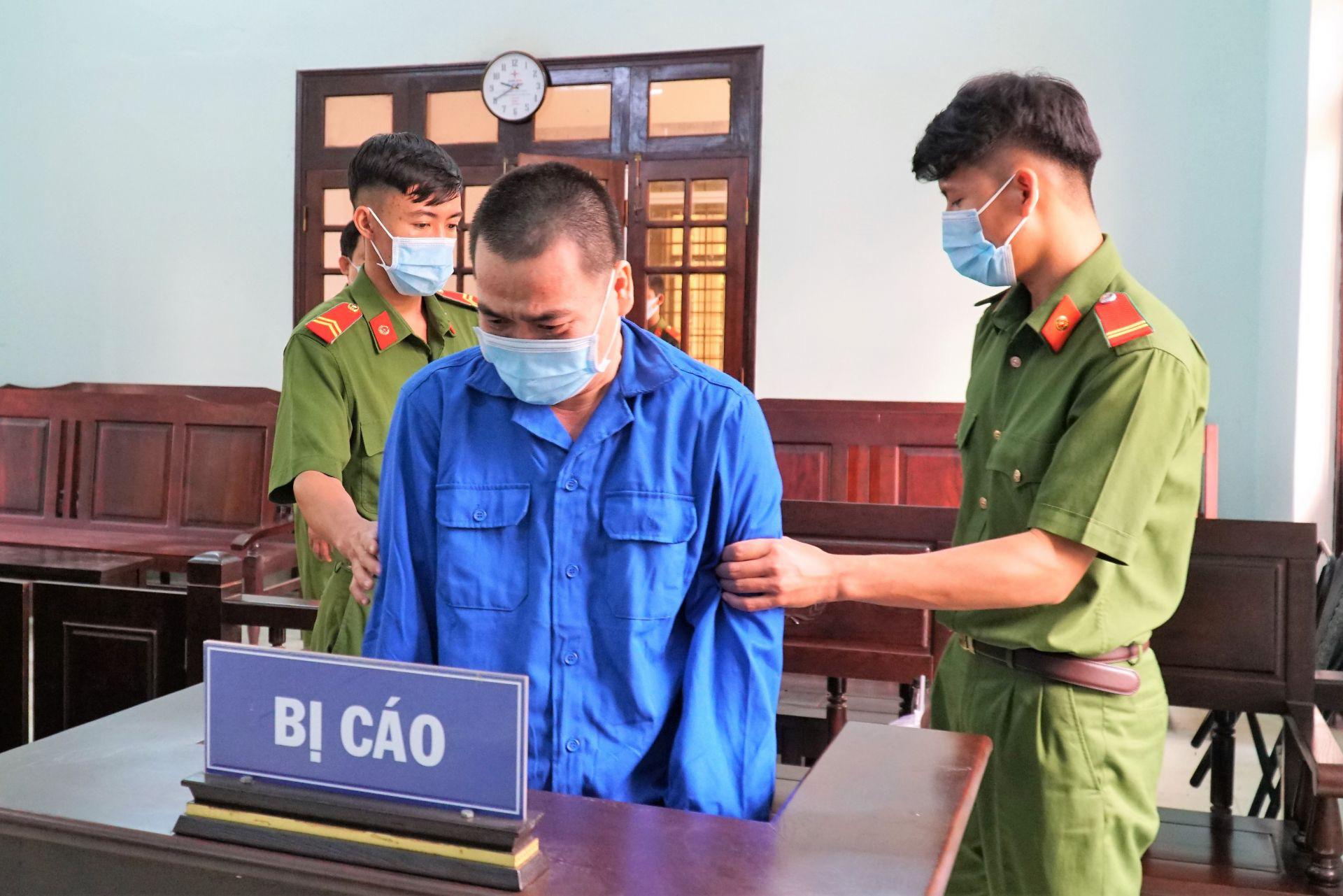 Vietnamese teacher jailed for molesting, having sex with ninth graders