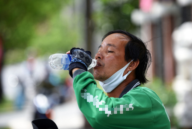 Days-long heat wave bakes southern Vietnam