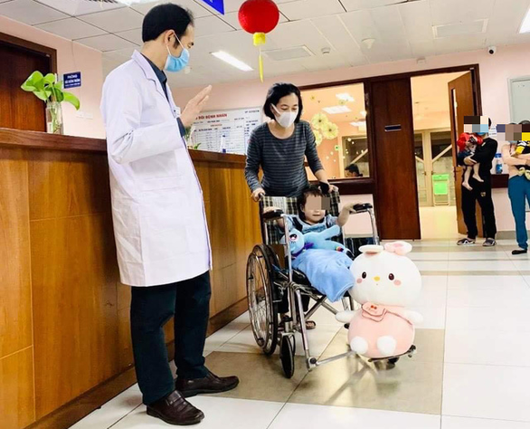 Three-year-old who survived fall from 12th floor discharged from Hanoi hospital