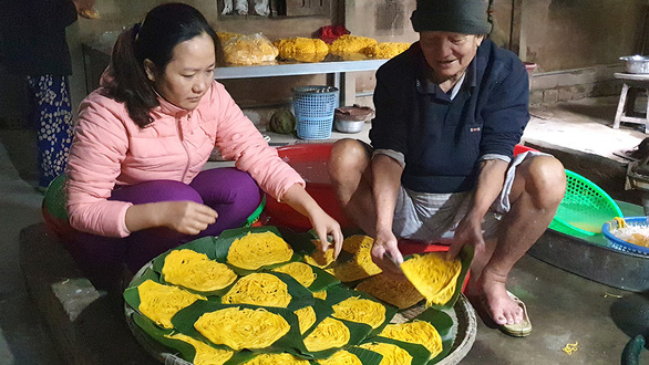 Art of making corn vermicelli kept alive by humble workshop in Vietnam
