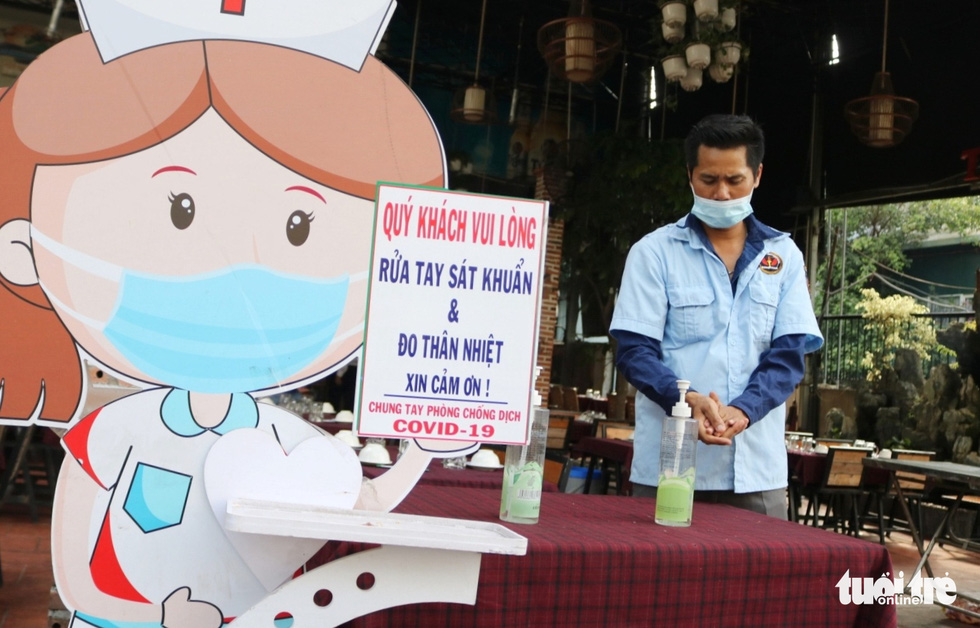 Restaurants, wedding venues in Saigon stick to preventive measures upon full-capacity resumption