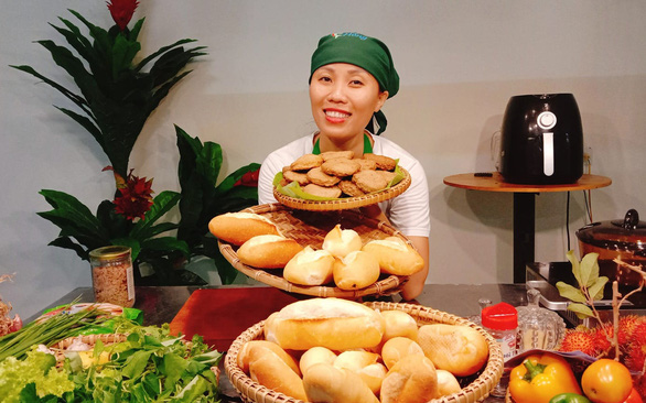 Vietnamese woman's fried fish cakes a hit at home and abroad