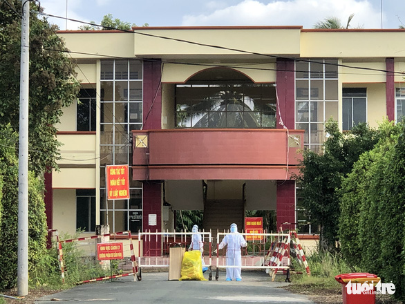 Lottery ticket seller isolated after sneaking into COVID-19 quarantine ward in Vietnam