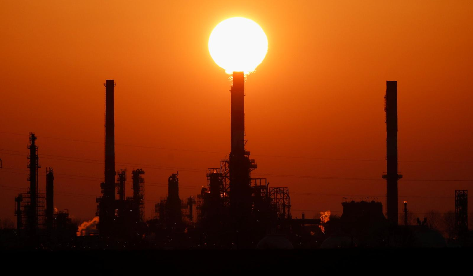 Oil drops as rising stockpiles compound COVID-19 demand concerns
