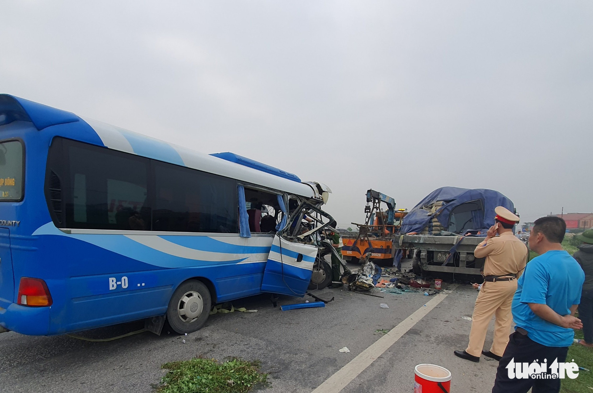 1 killed, 20 injured as coach carrying pilgrims rear-ends tractor-trailer in Vietnam
