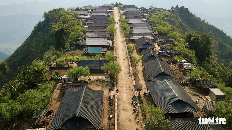 Cu Vai's main street runs between two rows of houses in the northern province of Yen Bai. Photo: Ngoc Quang / Tuoi Tre