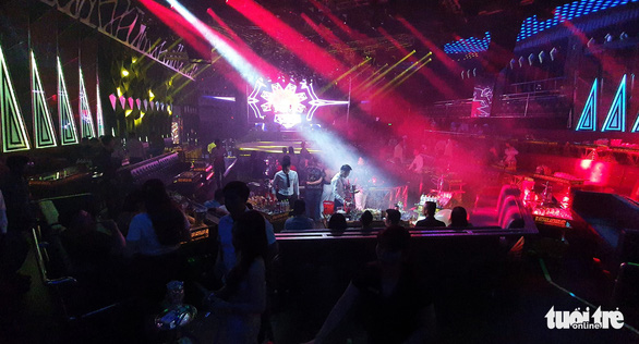 Saigon reopens bars, karaoke shops, discos; Hai Phong resumes suspended activities