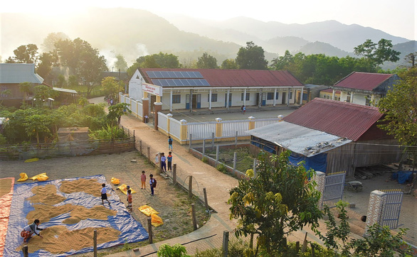 Canh Tien Primary School is located right in the middle of the village. – Photo: Lam Thien/Tuoi Tre