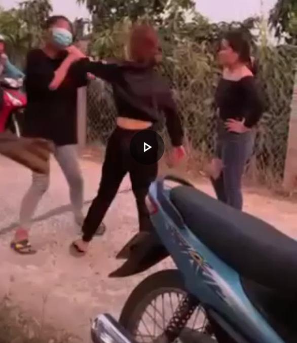 Vietnamese teen beaten by gang organized by girlfriend of man who raped her