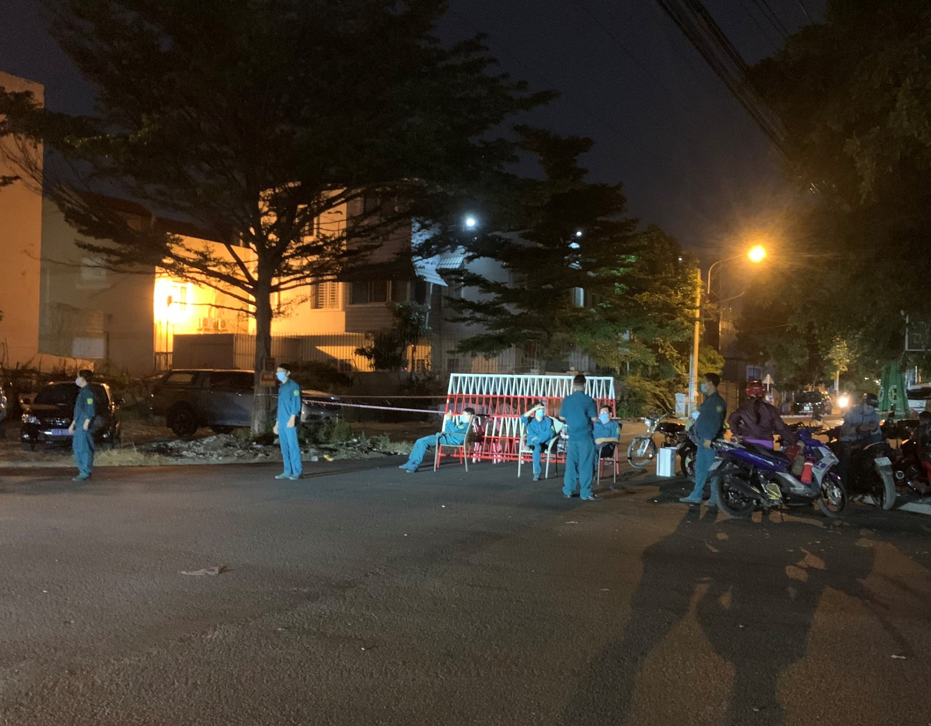 Street locked down after Chinese man tests positive for coronavirus in southern Vietnam