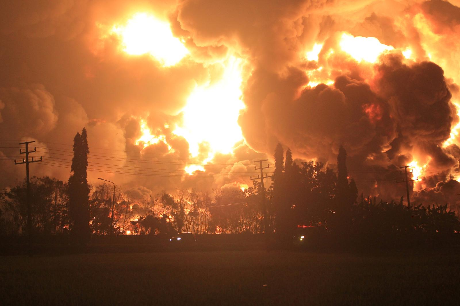 Five injured, hundreds evacuated after massive blaze at Indonesia oil refinery