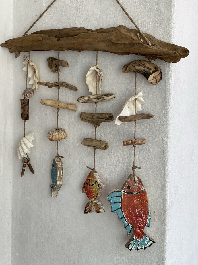 An artwork from driftwood made by Le Ngoc Thuan and associates in Hoi An City. Photo: B.D. / Tuoi Tre