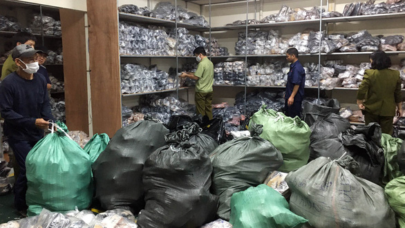 Hanoi police bust depot with over 3,000 pairs of fake designer shoes
