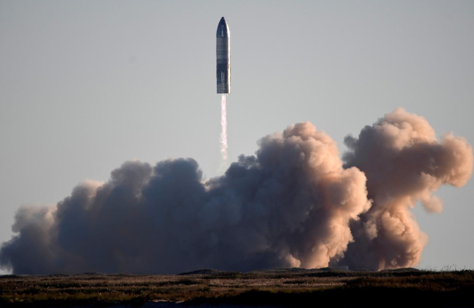 U.S. House panel probes SpaceX launch activities