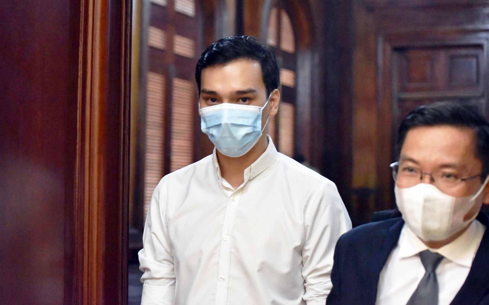 Vietnamese flight attendant receives suspended sentence for causing COVID-19 spread