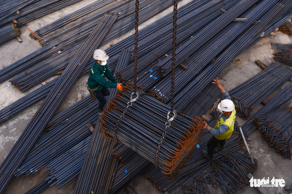 Metal beams at Ben Thanh Metro Station construction site in District 1 of Ho Chi Minh City. Photo: Quang Dinh / Tuoi Tre