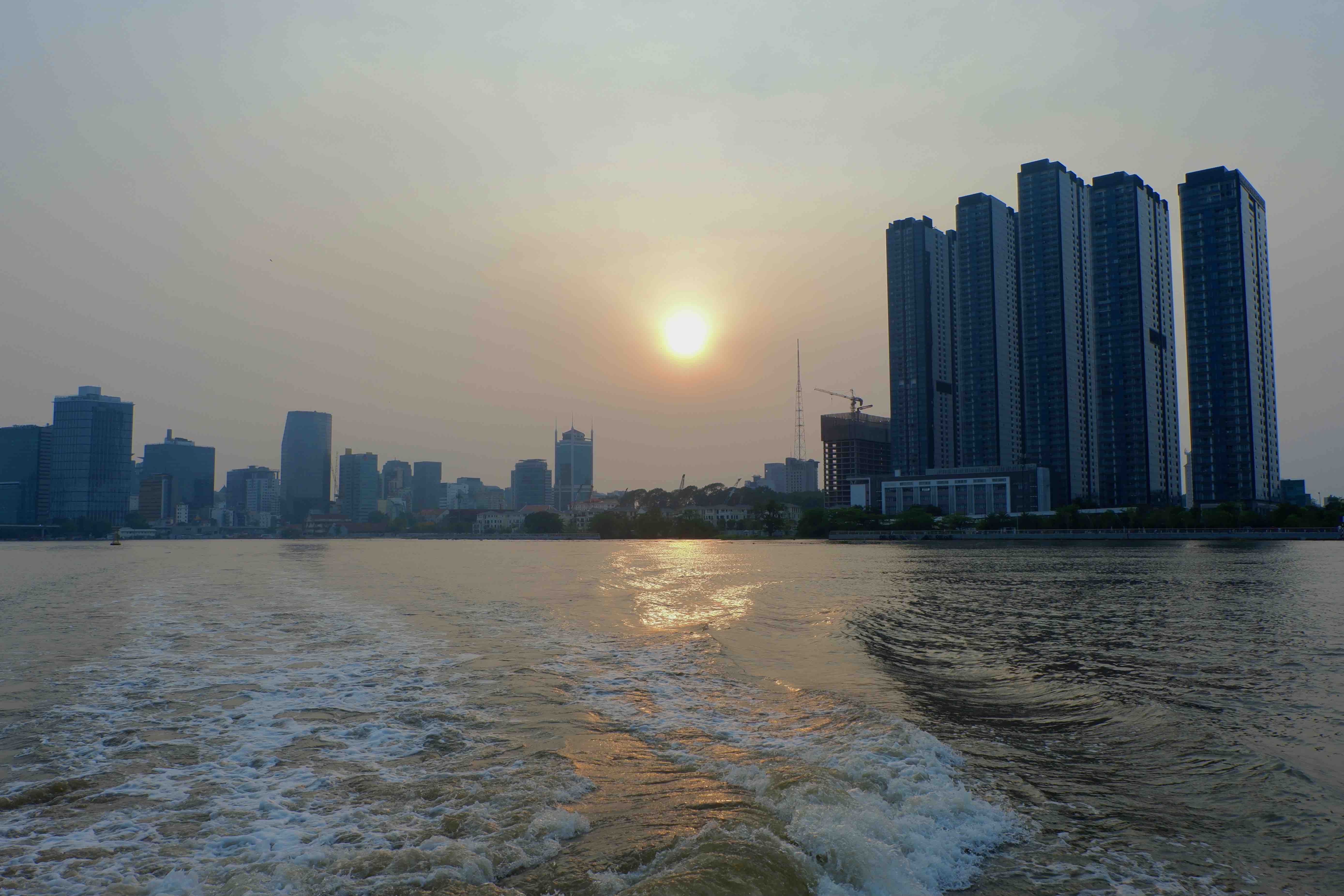 A paranomic photo of sunset on Saigon River from the waterbus in Ho Chi Minh City on March 31, 2021. Photo: Linh To / Tuoi Tre