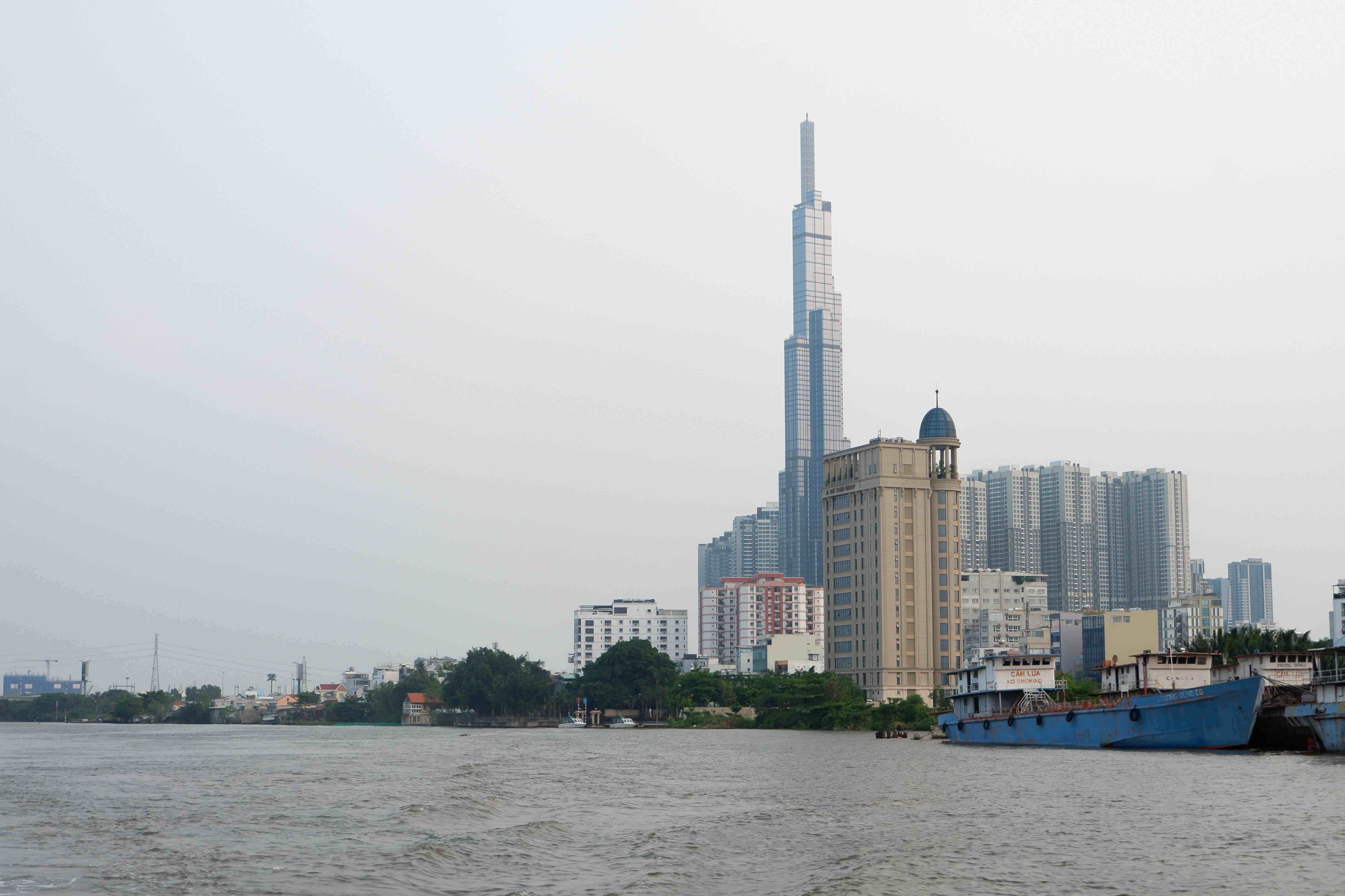 The complete scenery of the Landmark 81 skyscraper and its surrounding from waterbus. Photo: Linh To / Tuoi Tre