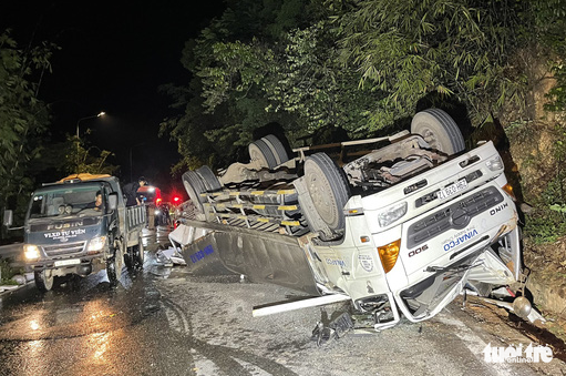 College students fatally hit by truck on mountain pass in Vietnam's Central Highlands