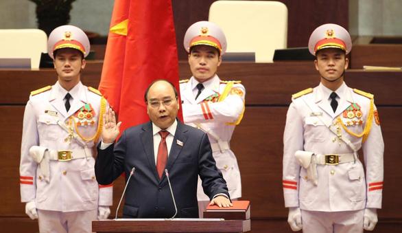 Vietnam swears in new state president