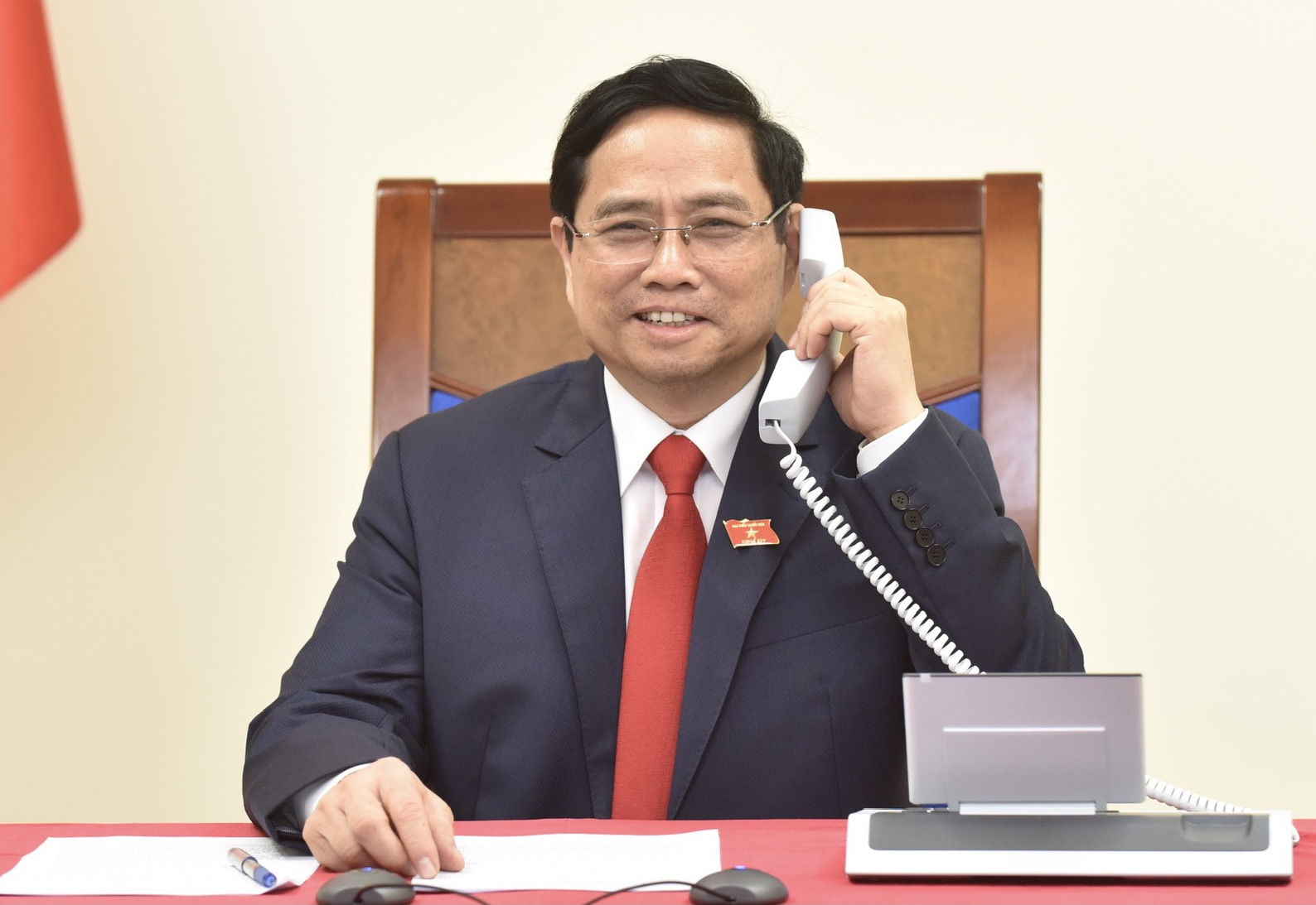 Vietnam's newly-elected prime minister holds phone talks with Cambodian, Laotian counterparts