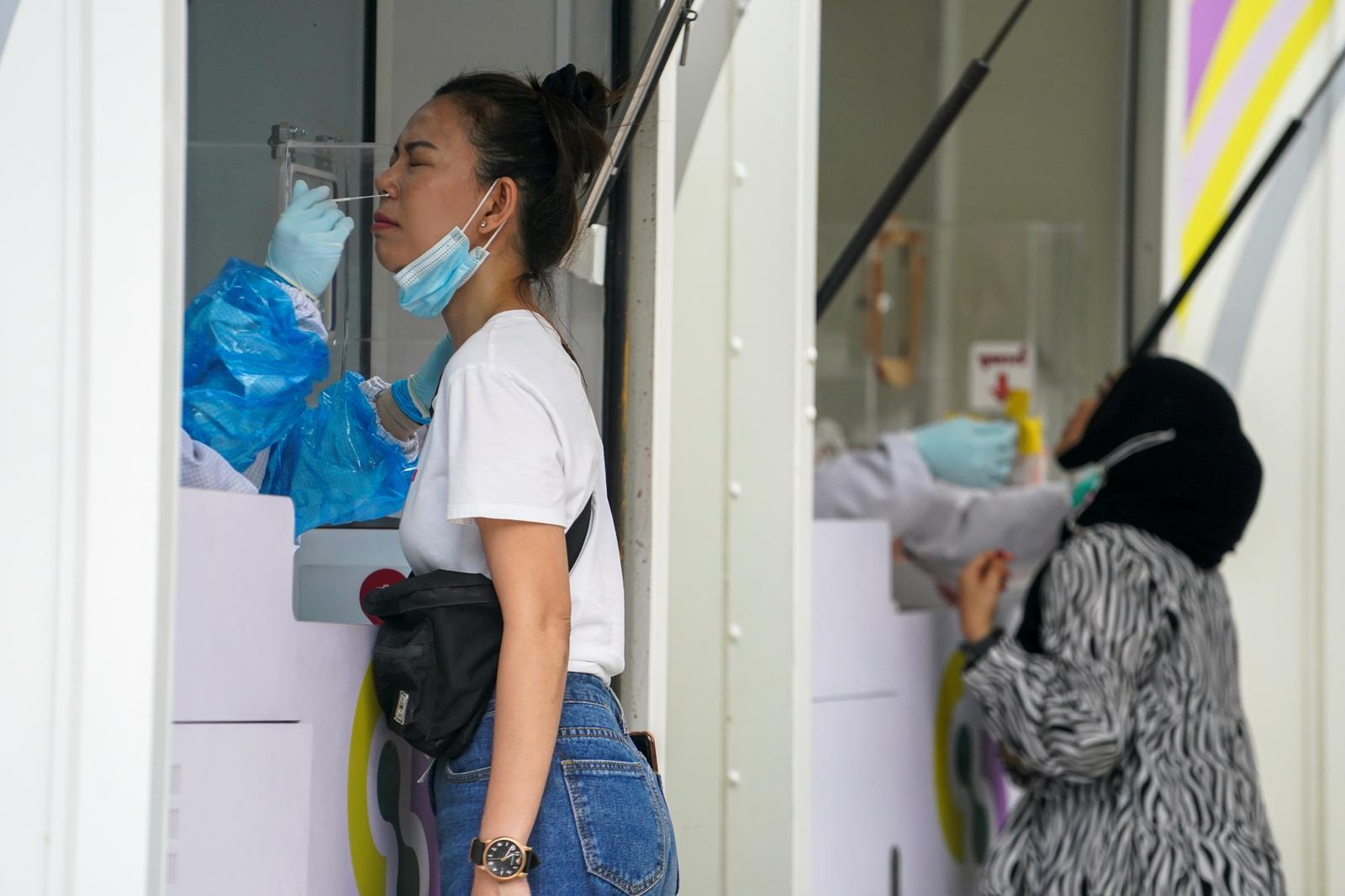 Thailand eyes nightlife curbs to arrest third coronavirus wave