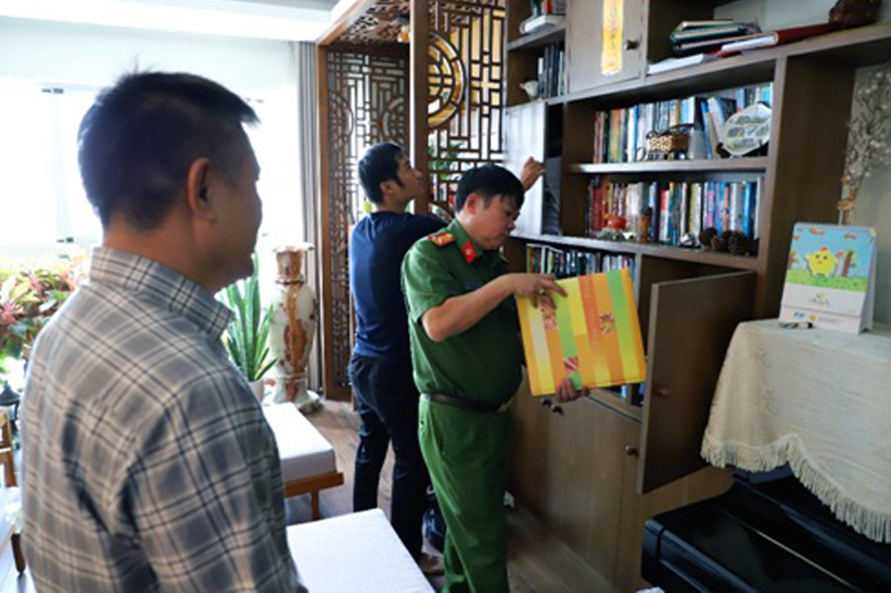 Vietnam police arrest company director involved in racket selling 200 million liters of fake gasoline